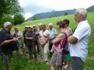 Fritz Irlacher gibt Tipps zur Anwendung von verschiedenen Kräutern